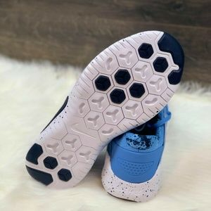 Nike Shoes - Nike Free Trainer 8 UNC N Carolina Tarheels Sz 9.5